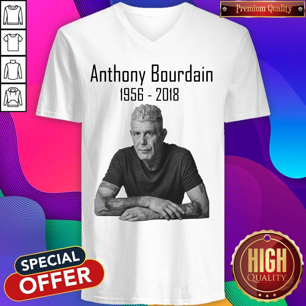 Nice Anthony Bourdain 1956 2018 V-neck