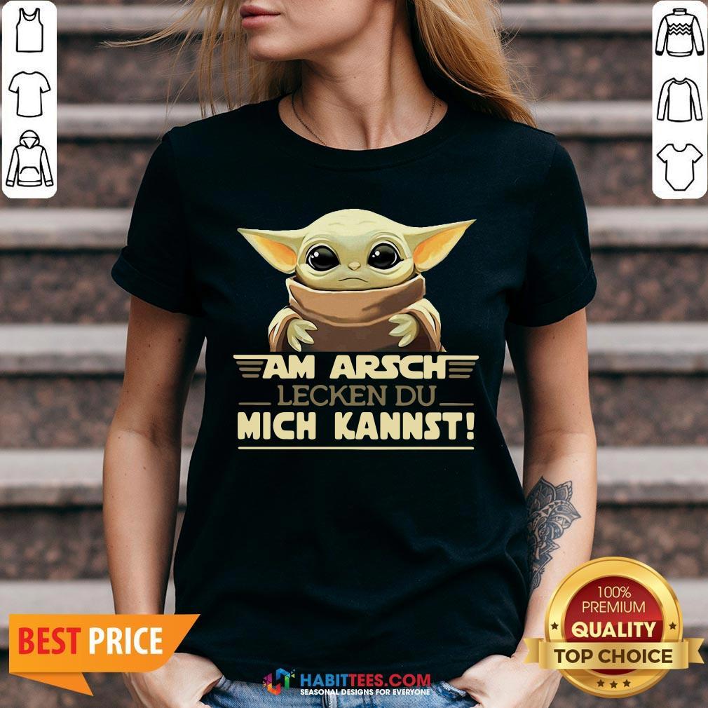 Baby Yodda Am Arsch Lecken Du Mich Kannst V-neck - Design by Habittees.com
