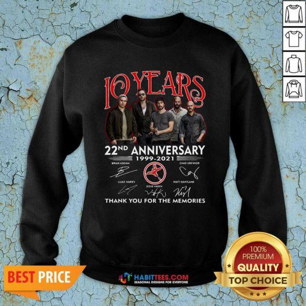 Top 10 Years 22nd Anniversary 1999 2021 Thank Memories Signatures Sweatshirt - Design by Habittees.com