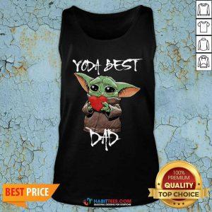 Top Baby Yoda Hug Heart Best Dad Tank Top - Design by Habittees.com