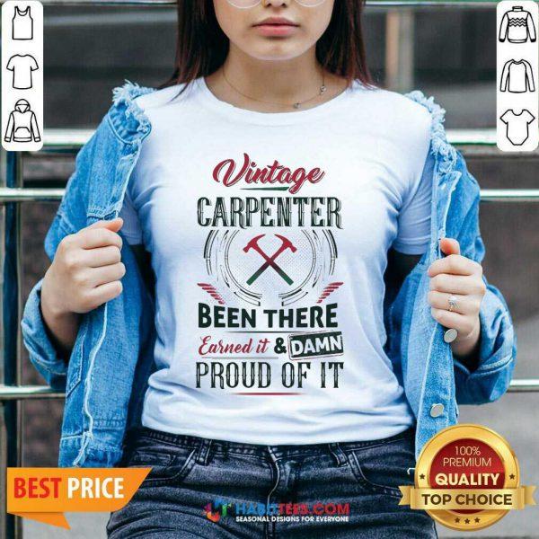 Nice Vintage Carpenter Been There Earned 2 V-neck
