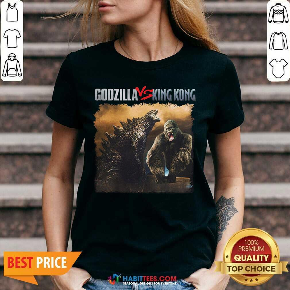Top Classic Godzilla Vs King Kong New Tee 2 V-neck